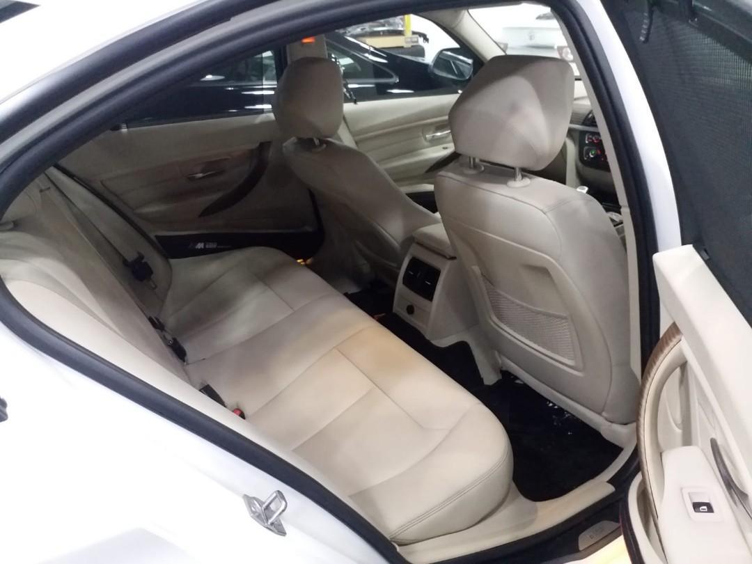 BMW 328IA  2012