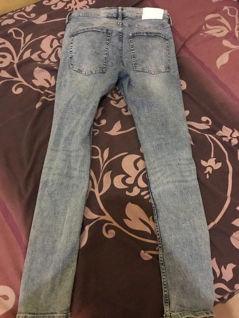 Celana Panjang ripped jeans Hnm