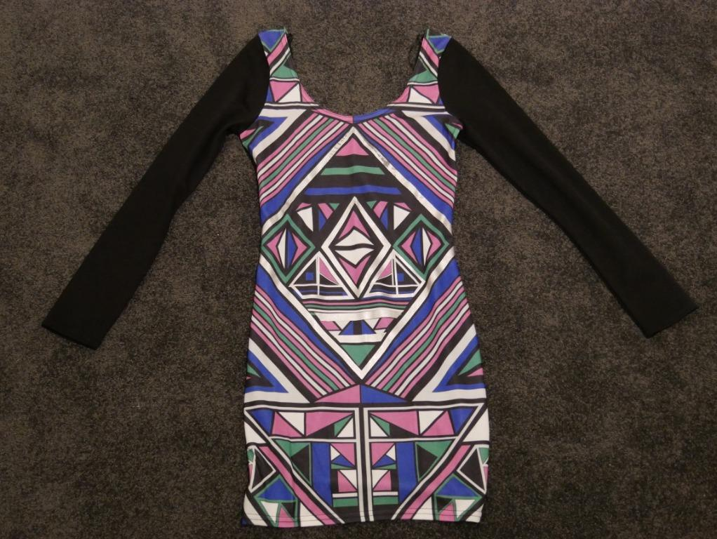 Colourful Patterned Short Dress with Low Back Size S
