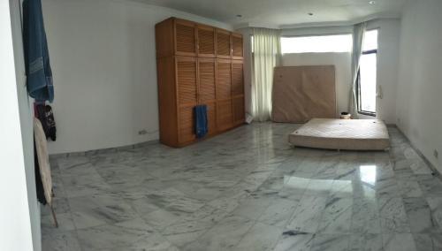 Disewakan Rumah Siap Huni di Cipete Selatan Kondisi Semi Furnished & Private Pool