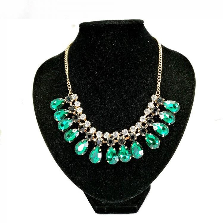 GREEN EMERALD STONES BEADS STATEMENT ELEGANCE NECKLACE