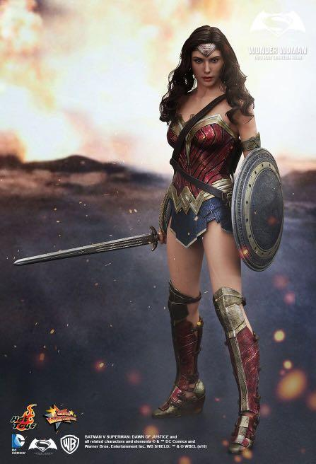 Hot Toys 1/6 MMS359 Batman V Superman Wonder Woman Collectible Figure MIB