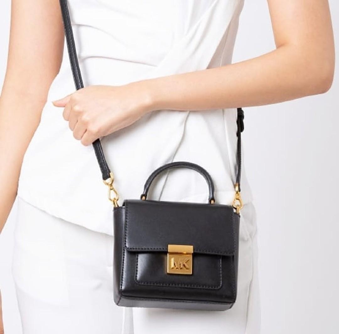 Michael Kors Mindy Mini Conv TH Croasbody Leather Black 16×12×5
