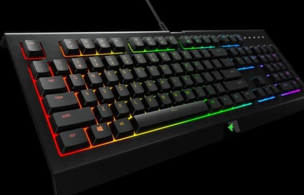 RAZER Chroma Gaming Keyboard and RAZER Kraken 7.1 Chroma Headset BUNDLE