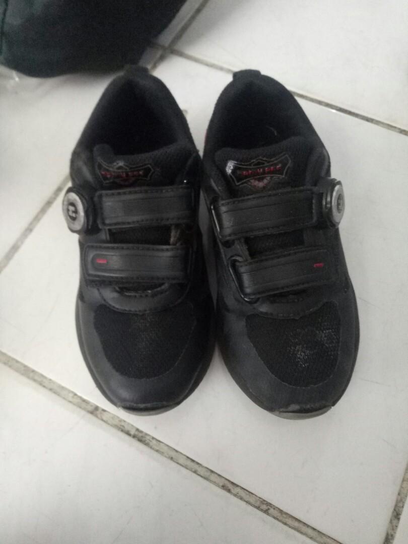 Sepatu anak sekolah hitam homiped