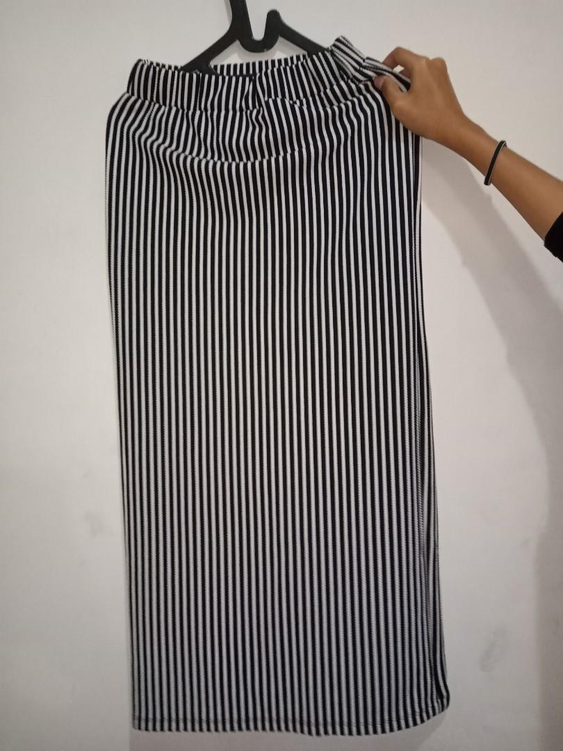 Stripe Skirt - Rok Span Monochrome