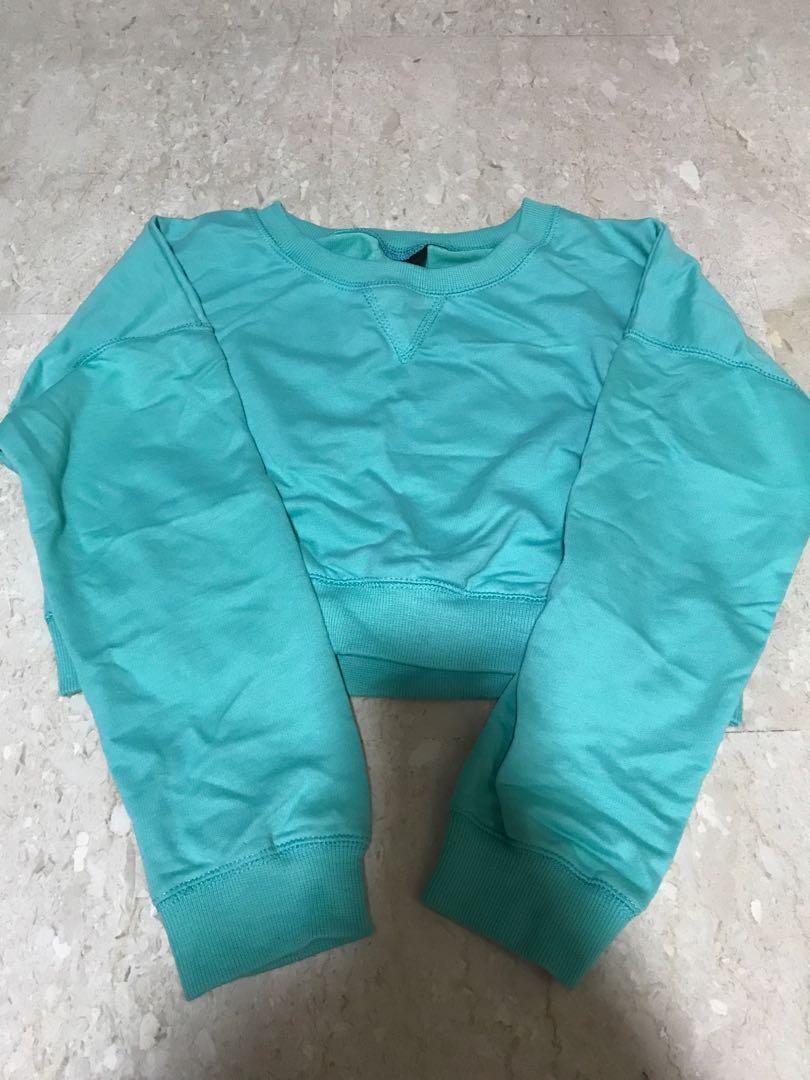 Turquoise short pullover