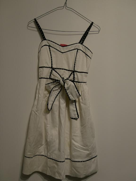 White Retro-style dress with Black Trim and Front Bow Size S
