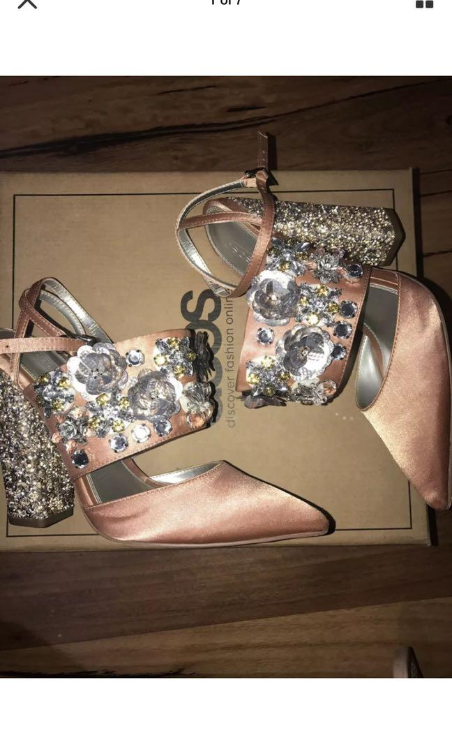 WOMENS SHOES Bridal Nude Pink Block Heels Embellished size 7