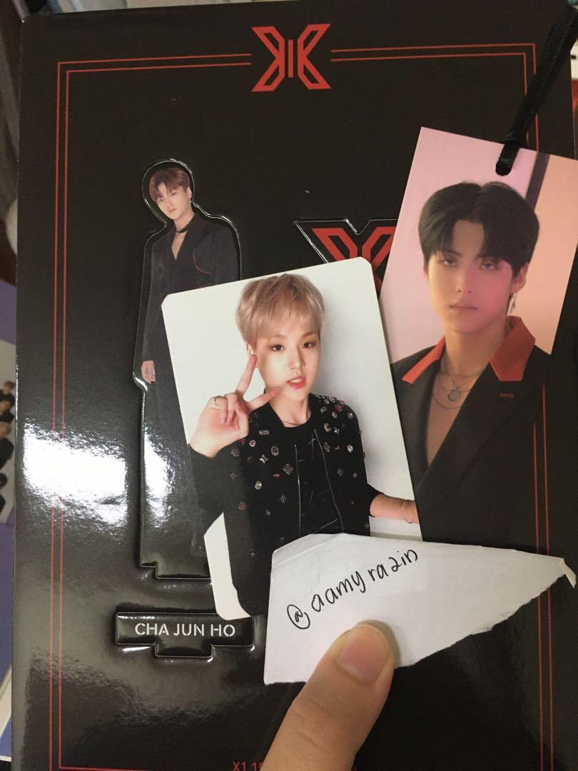 [WTT/WTS] X1 Album Quantum Leap version(sell), Dohyun ar card, eunsang and hyeongjun bookmark, junho and dongpyo standee(trade)