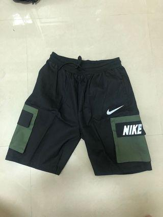 Nike工裝短褲(本日優惠)