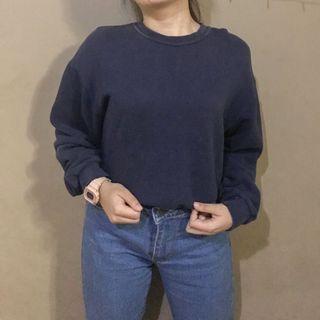 Sweater sedikit overzise