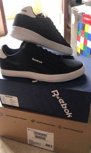 Sepatu new reebok