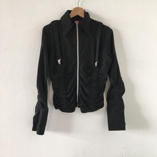 小店購入| 全新 原價2390 暗黑系 吊帶 皺摺 長袖 吊帶 設計 薄外套