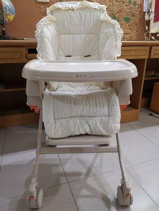 日本Combi五段式餐搖椅