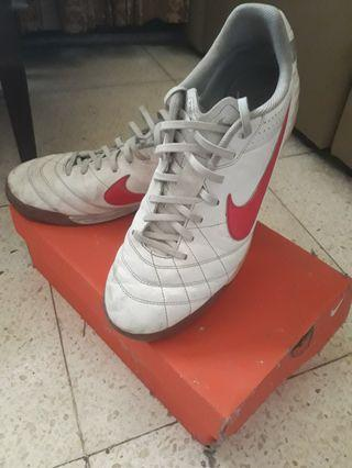 Sepatu Futsal Nike Tiempo Natural