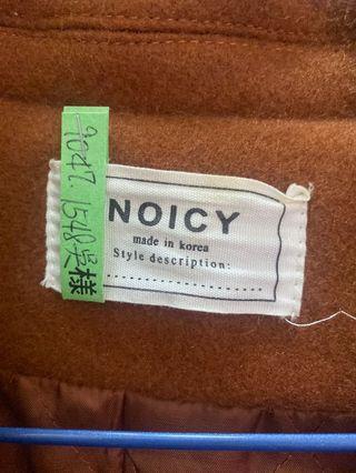 咖啡色毛尼外套
