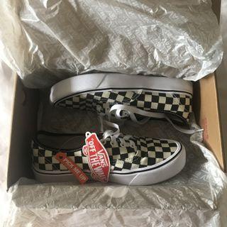 Authentic Vans Checkerboard Ultralite Sneaker #lelong80