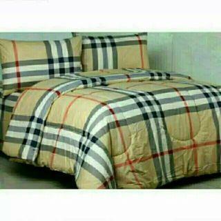 (Belum pernah dipakai)Bed Cover sprei set ukuran 200x200