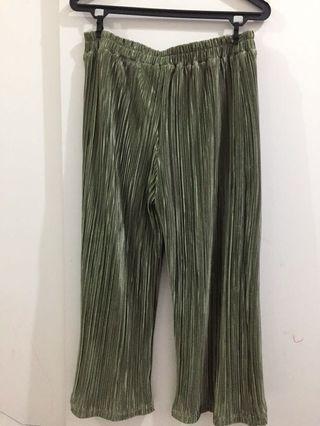 Pleated Pants 3/4