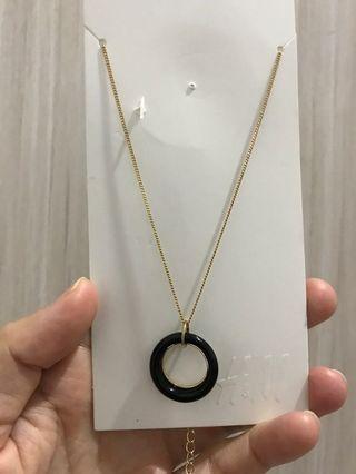 Black Goldy Necklace