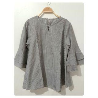 #joinoktober Stripes blouse | grey blouse | lengan trumpet