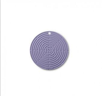 Le Creuset round hot pad (purple)