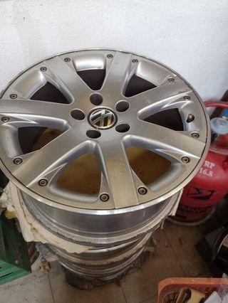 Rare original VW EOS 17inch rim