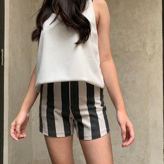stripe shorts/celana pendek garis-garis/celana pendek item putih/celpen