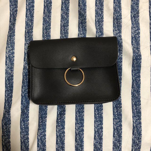 黑色金釦小包包