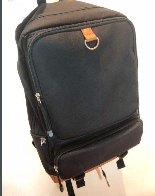 日本 Backpack 背包 囊 書包 15.6 吋 notebook 韓 超輕 多格 99% 新 多功能 非 Samsonite ARCT