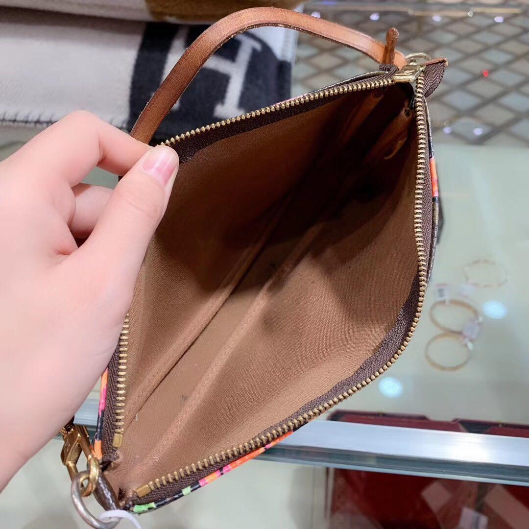 Authentic Pre-loved Louis Vuitton Limited Edition Stephen Sprouse Monogram Rose Pochette