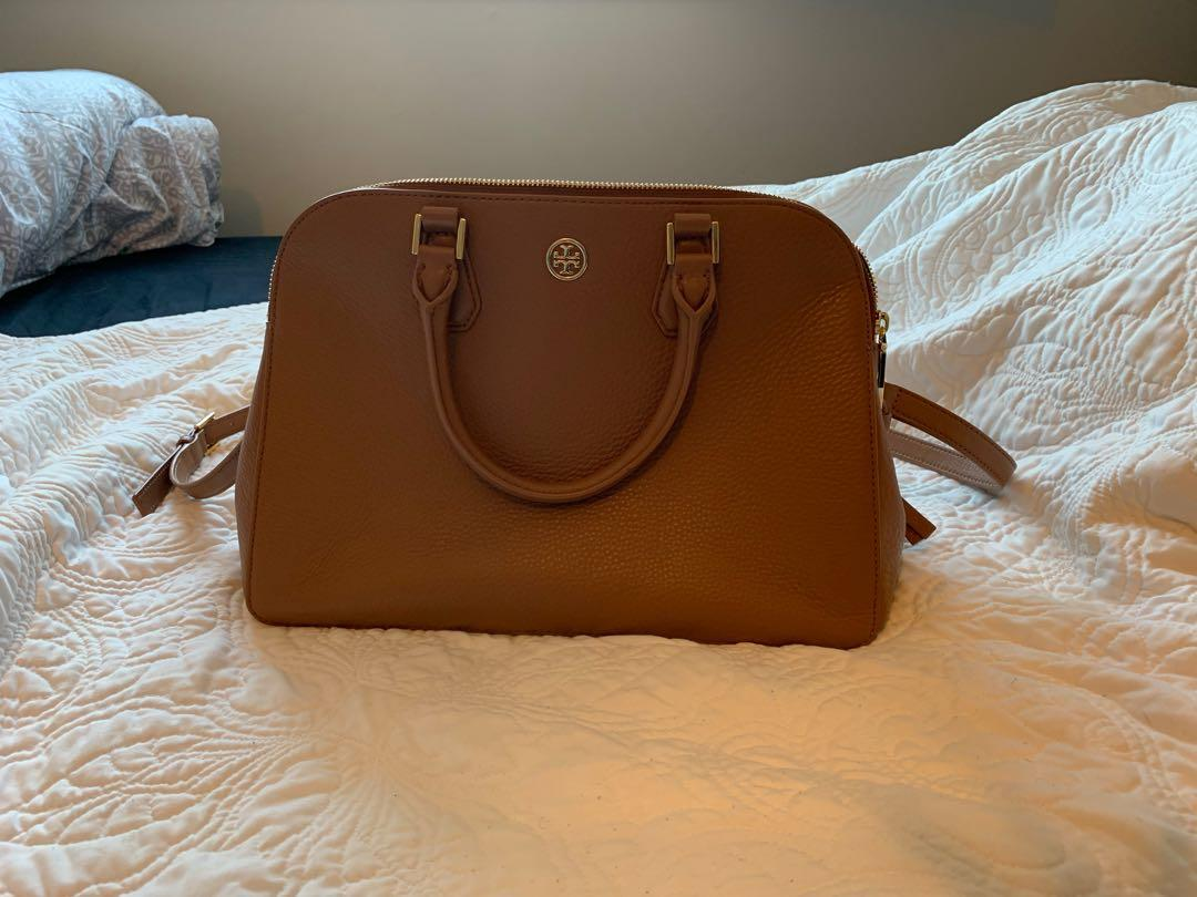 Authentic Tory Burch Camel Soft Pebble Leather Purse