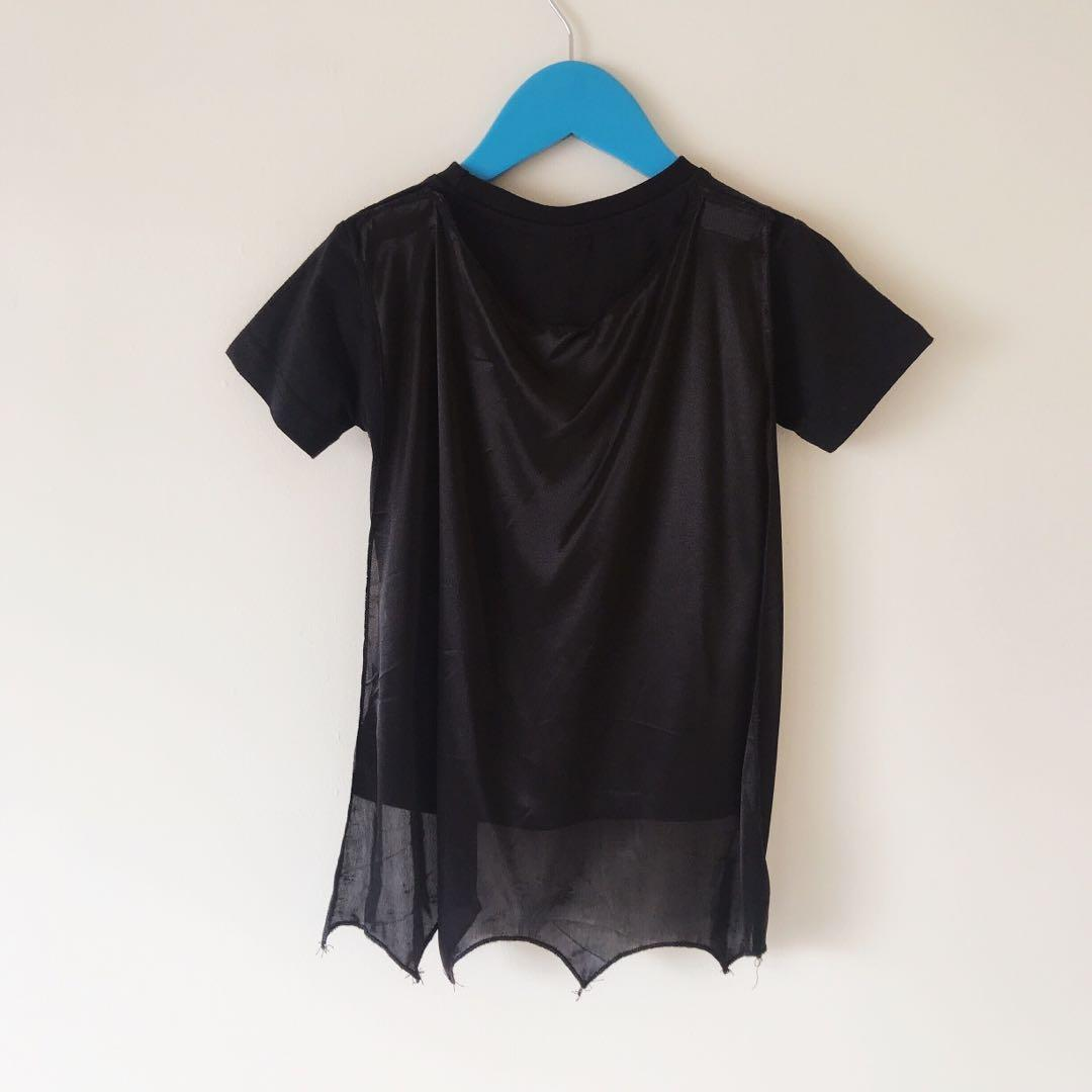 Boys Batman T-shirt with cape size 0 (3-4 yrs old)