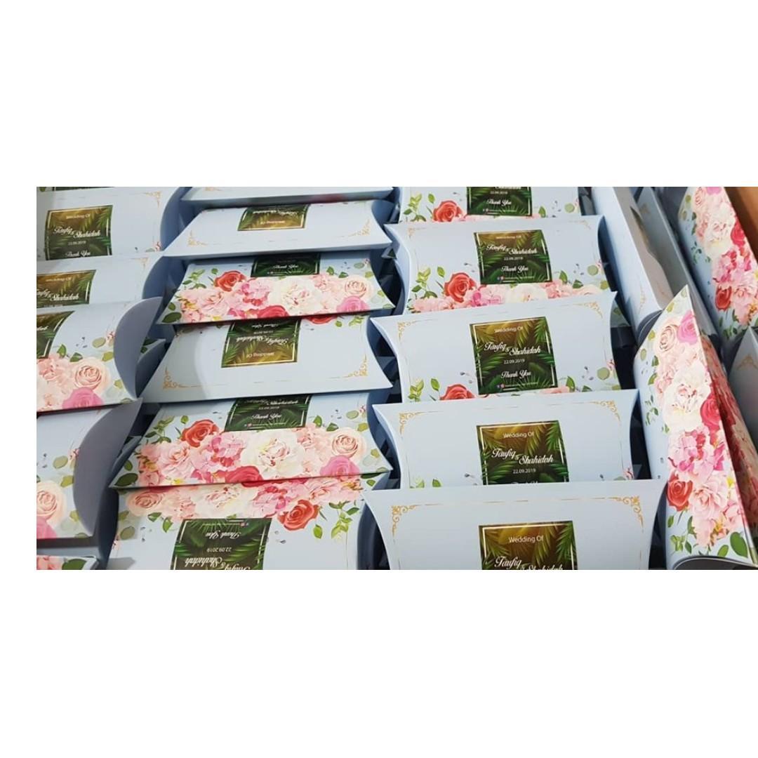 Cookies in pillow box berkat doorgift wedding favor favour