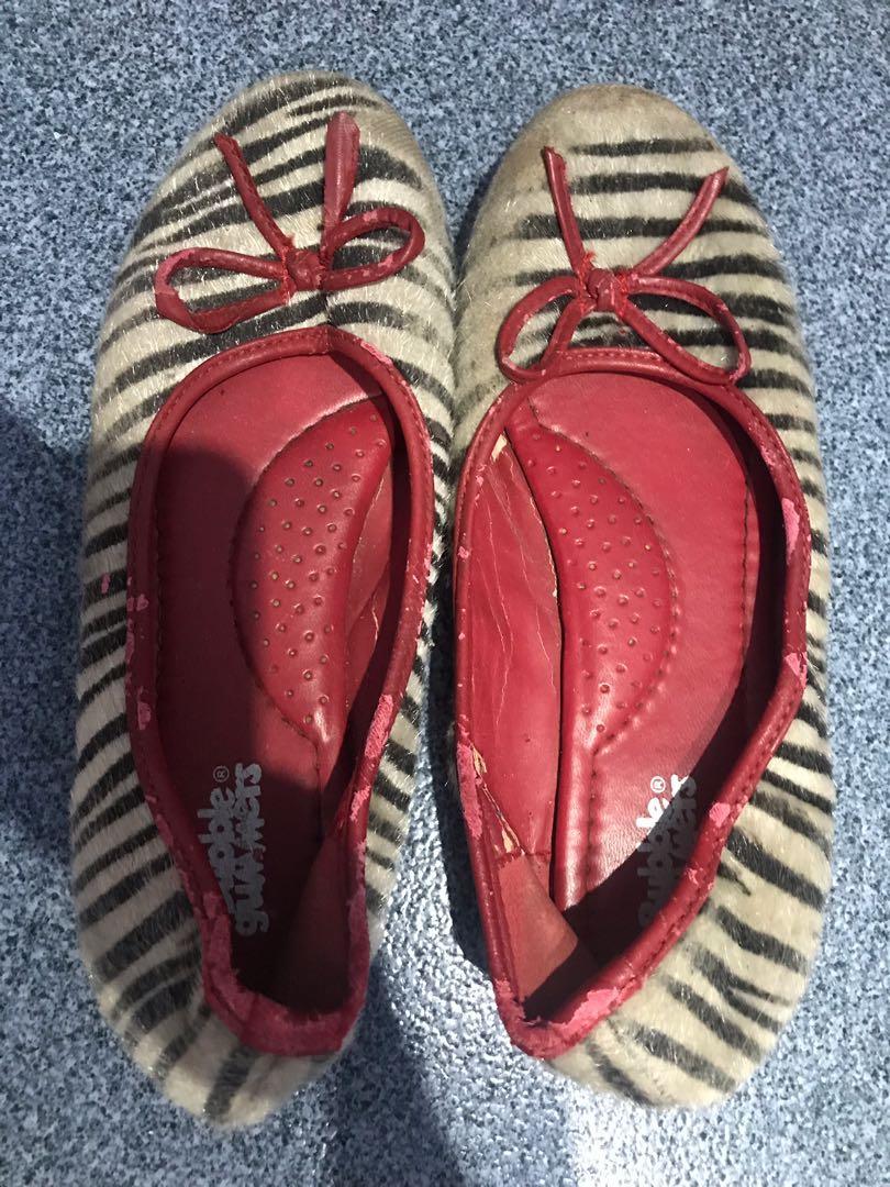 Flat shoes bubble gummers girl