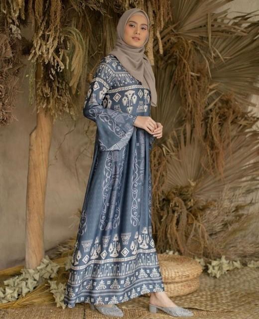 Sale!! Kambera Dress wearing klamby look like