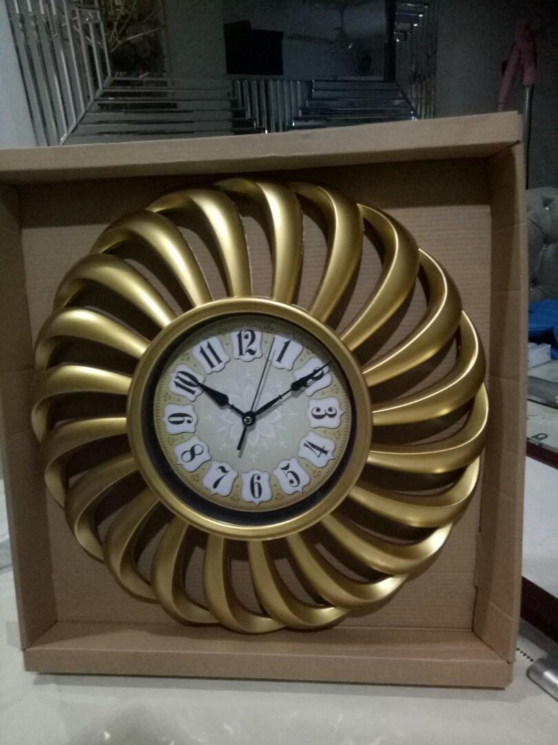 Modern Wall clock Deco