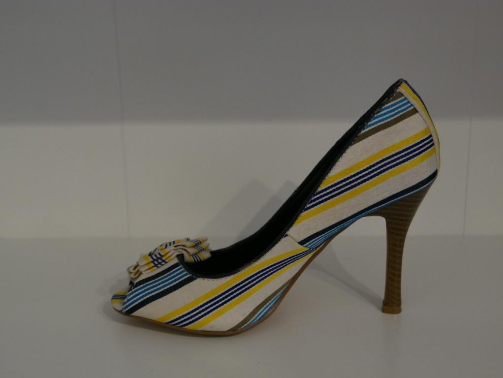 New Striped Open Toe Heel with Flower decoration Size 7