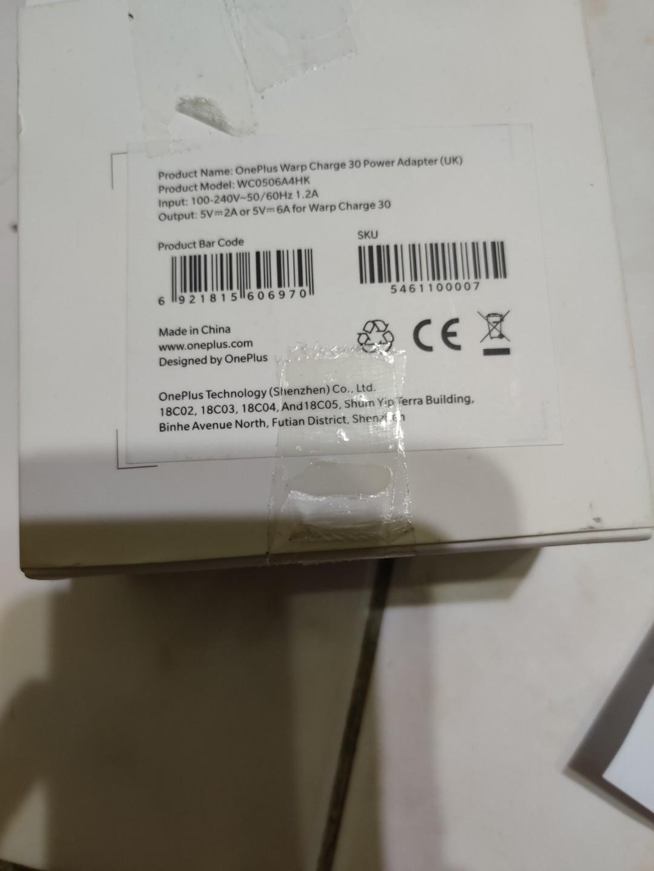 oneplus warp  charge 30 power adaptor