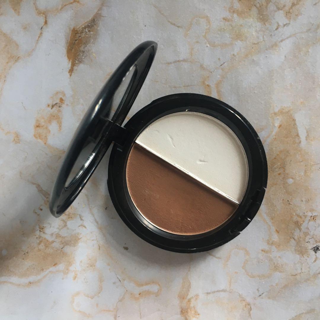Pixy contour powder