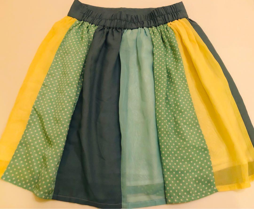 Polka dot A-shaped skirt 飄逸波點半截裙