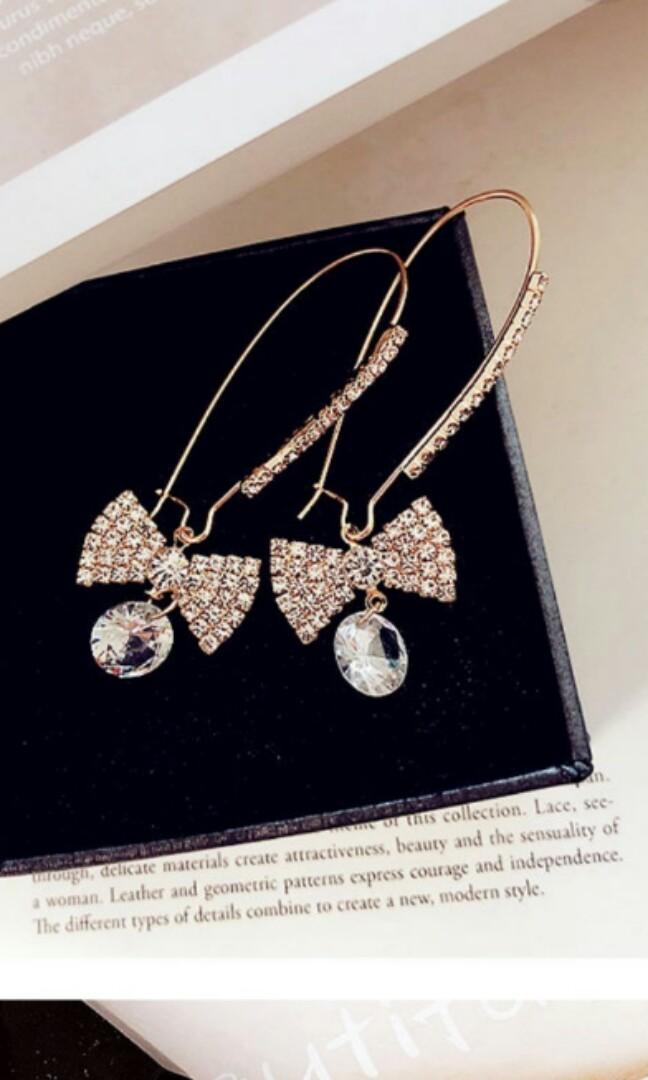 Readystock antingpanjang earrings gaun dress tas liptint lipblam aksesoris topi kacamata flatshoes accessories bajubatik kebaya bandana bando