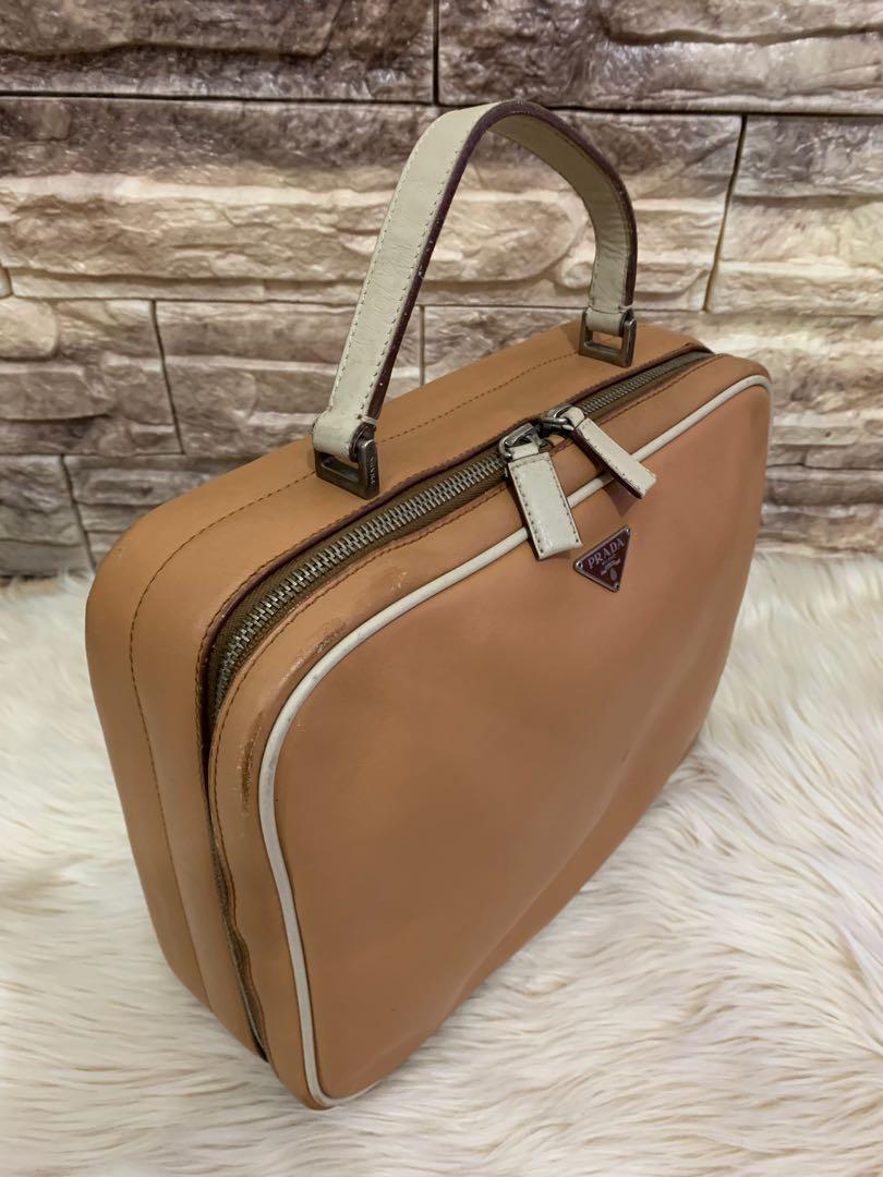 Tas prada serbaguna full leather authentic 28 x 22 x 9 cm 80% OK