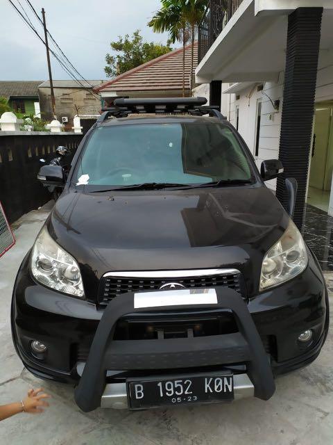 Toyota rush 2013 m/t pajak telat 1 tahun , milik pribadi