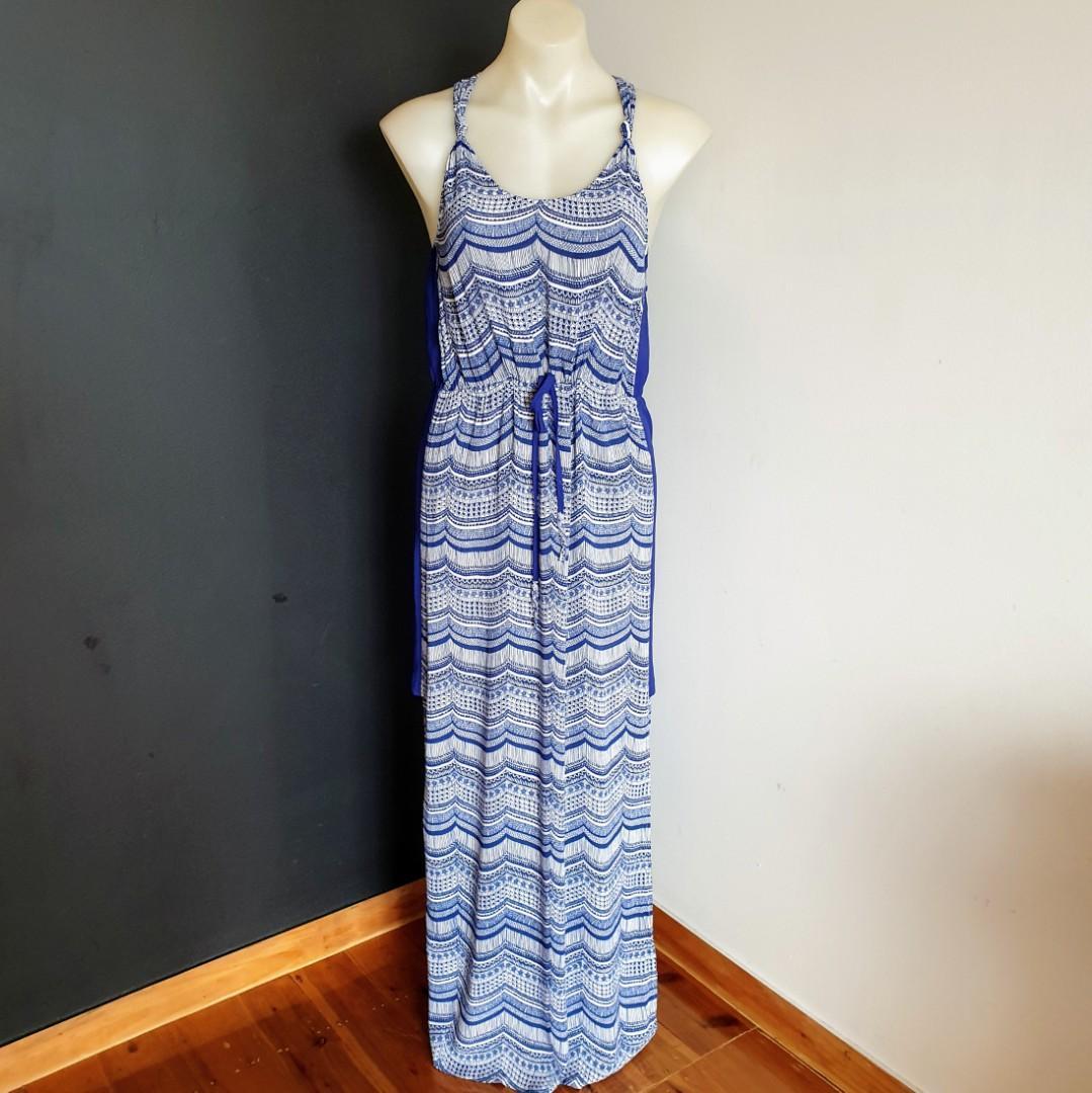 Women's size 8 'WISH' Stunning blue and white marina maxi dress - AS NEW