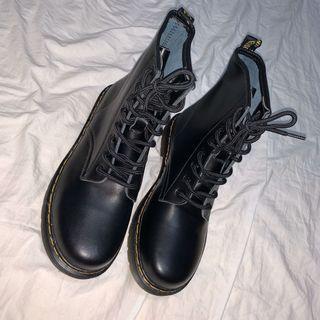 全新8孔真皮縫線中筒靴 #26cm