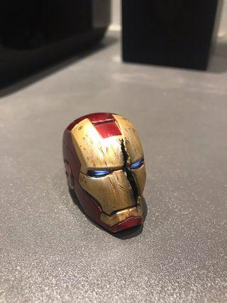 Iron man 1/6 battle damage helmet