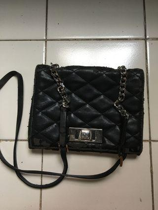 Sling Bag Hitam putih by ZARa