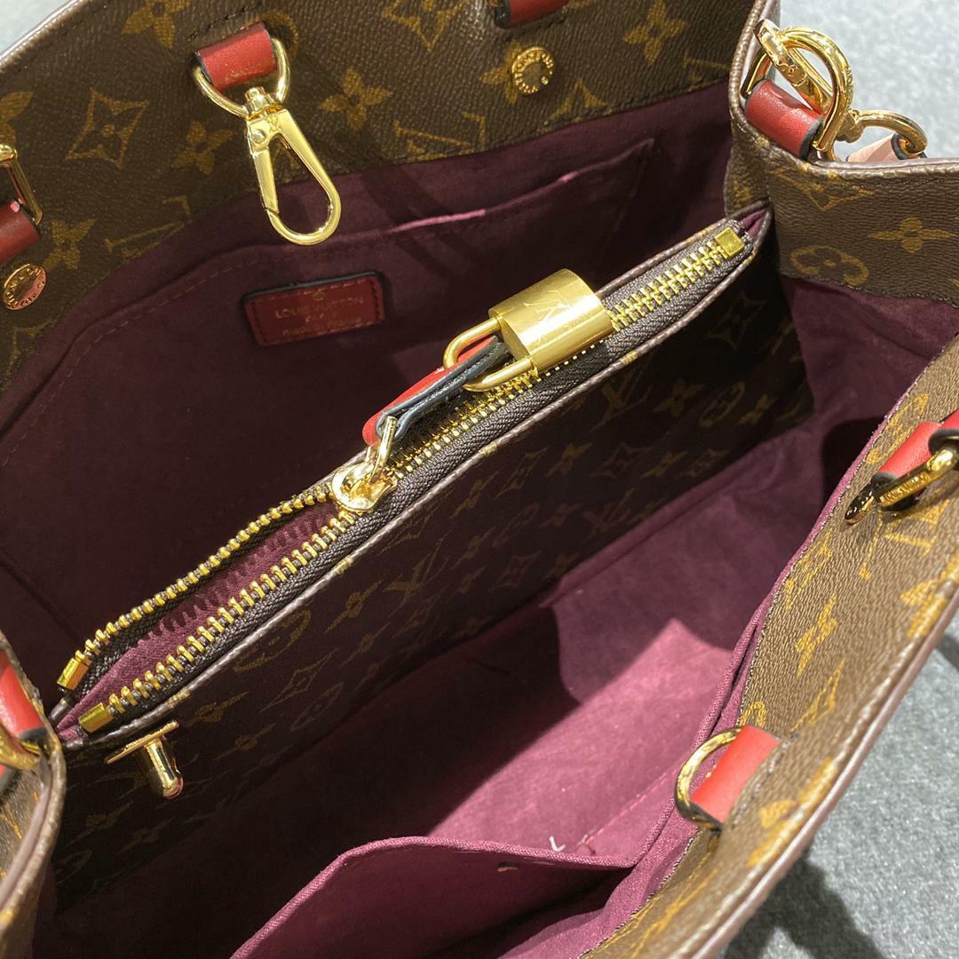 10.10 sales geniune Leather.